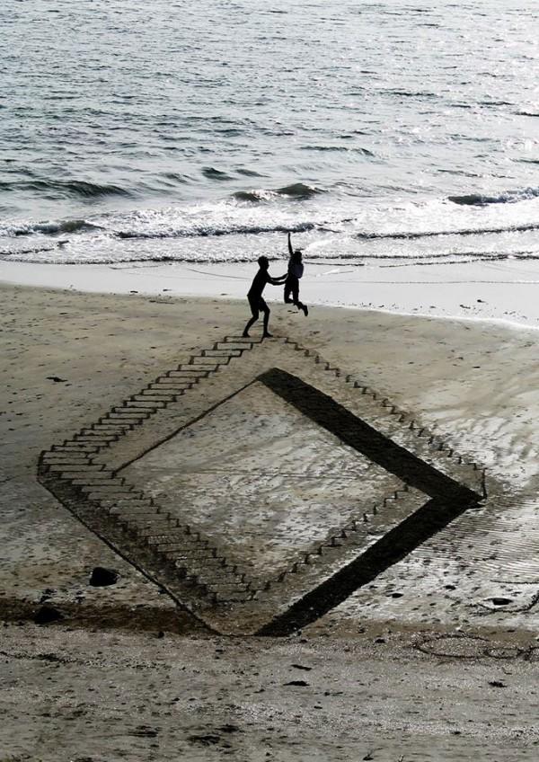 Jamie-Harkins-Sand-Illusions-2-600x848